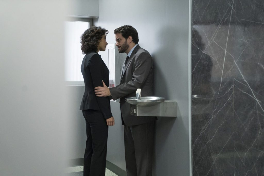 Dinah (Amber Rose Revah) and Sam (Michael Nathanson)